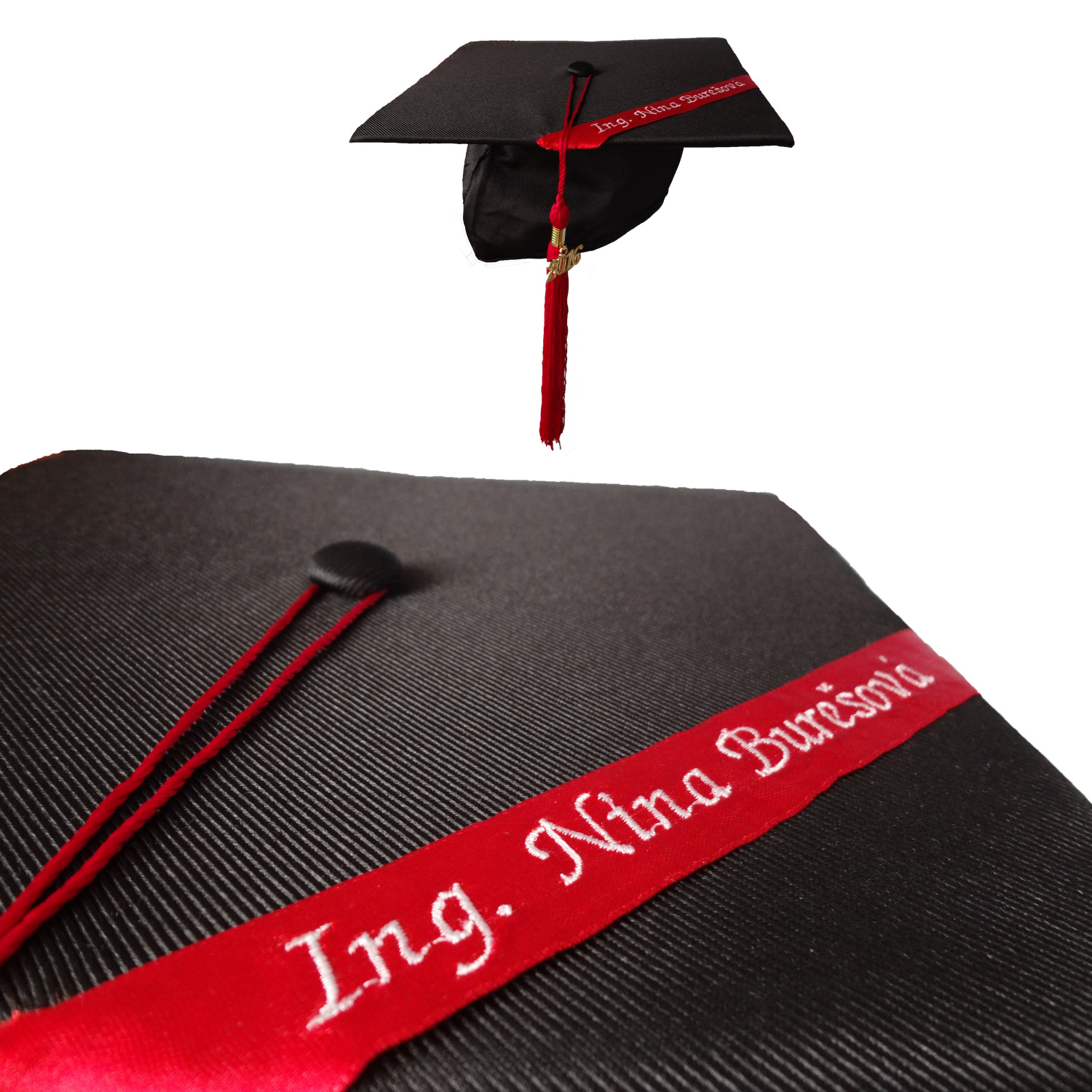 Embroidery on the graduation cap